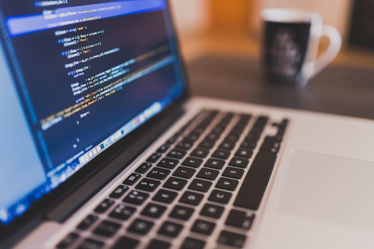Tại sao nên cân nhắc Phát triển phần mềm gia công phần mềm vào năm 2021